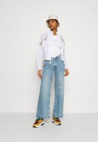 Nike Sportswear - JACKET - Summer jacket - white - 1