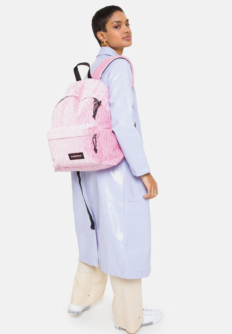 Eastpak - Reppu - velvet pink