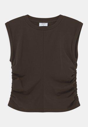 KIWAM TEE - T-shirts - brown