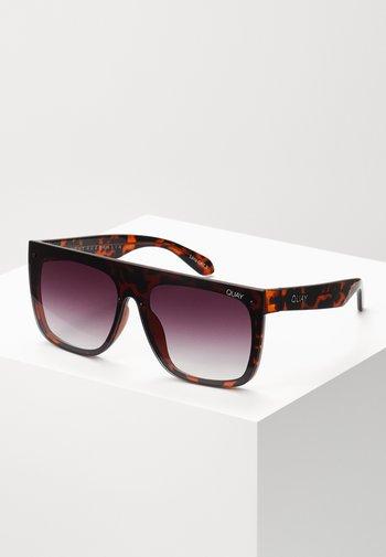 JADED  - Sunglasses - mottled brown/purple