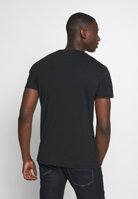 Tommy Jeans - CORP LOGO TEE - Print T-shirt - black - 2
