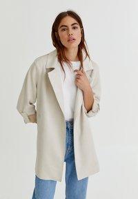 PULL&BEAR - Short coat - grey - 3
