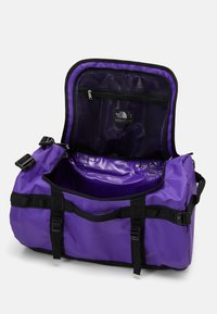 The North Face - BASE CAMP DUFFEL S UNISEX - Sports bag - peak purple/black - 3