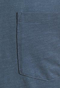Marc O'Polo DENIM - Basic T-shirt - grayish petrol - 2