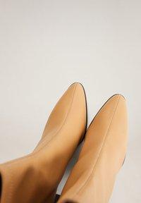 Mango - PUNTO - High heeled ankle boots - marrón medio - 6