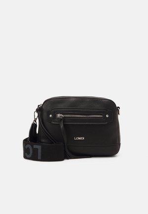 GIANNA - Across body bag - black