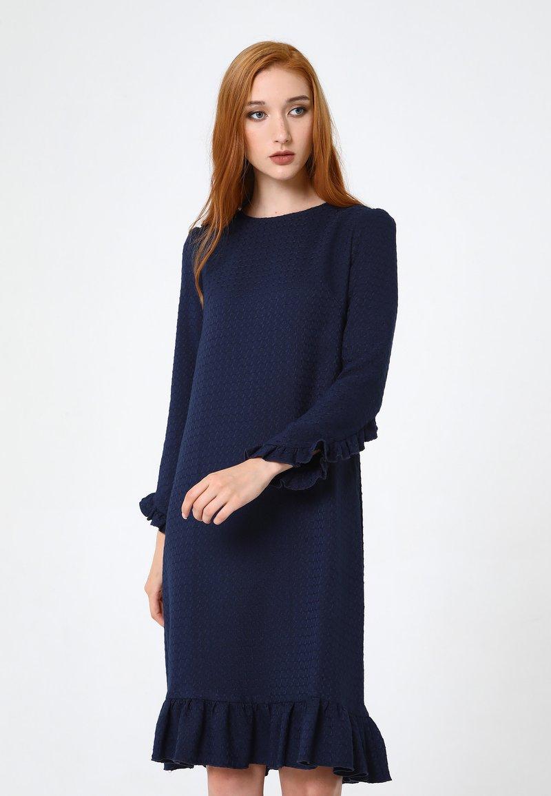 Madam-T - Robe en jersey - blau