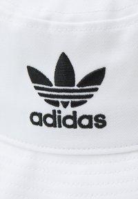 adidas Originals - BUCKET HAT UNISEX - Hatt - white - 3
