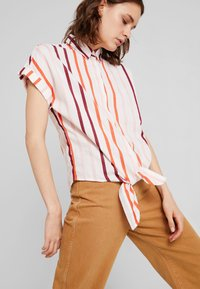 TOM TAILOR - BLOUSE WITH LIGHT STRIPES - Chemisier - offwhite - 3