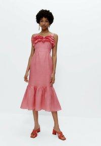 Uterqüe - MIT TUPFEN - Day dress - pink - 1