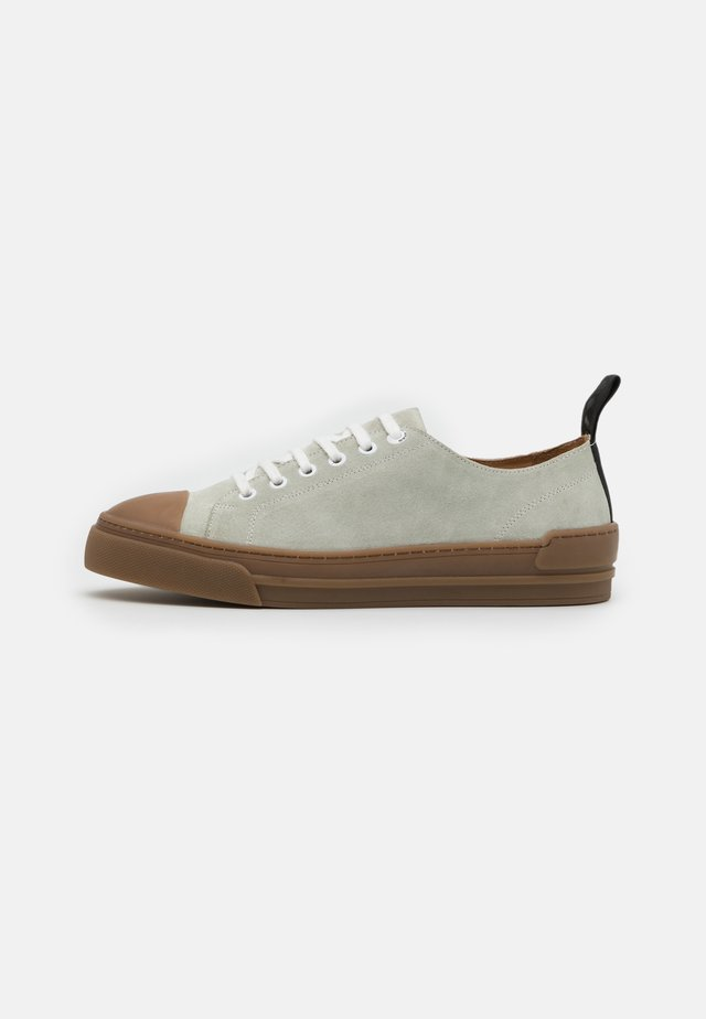 COURT DERBY SHOE - Baskets basses - offwhite
