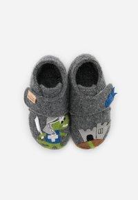 Living Kitzbühel - BABYKLETT RITTER UND PFERD - Domácí obuv - grau - 3