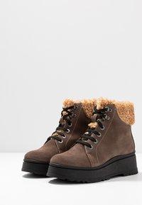 Depp - Kotníkové boty na platformě - arizona - 4