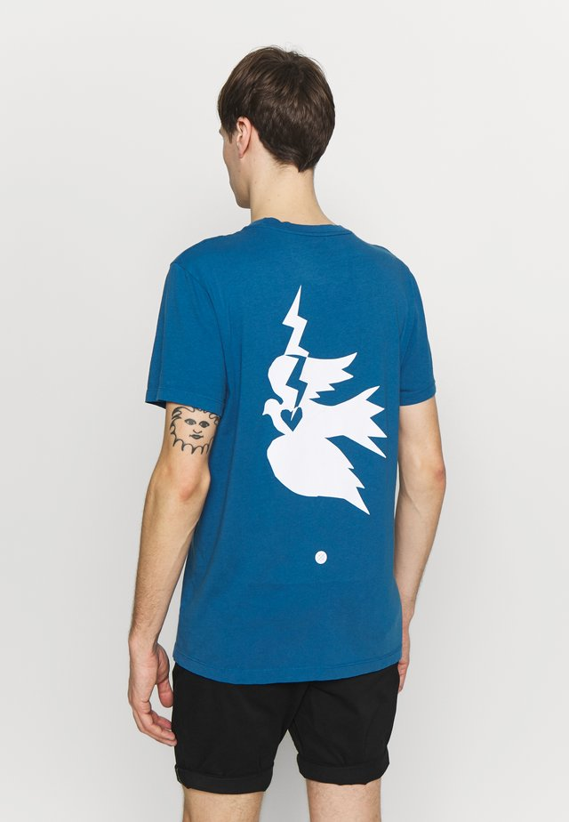 CHAMBER - T-shirt con stampa - blue