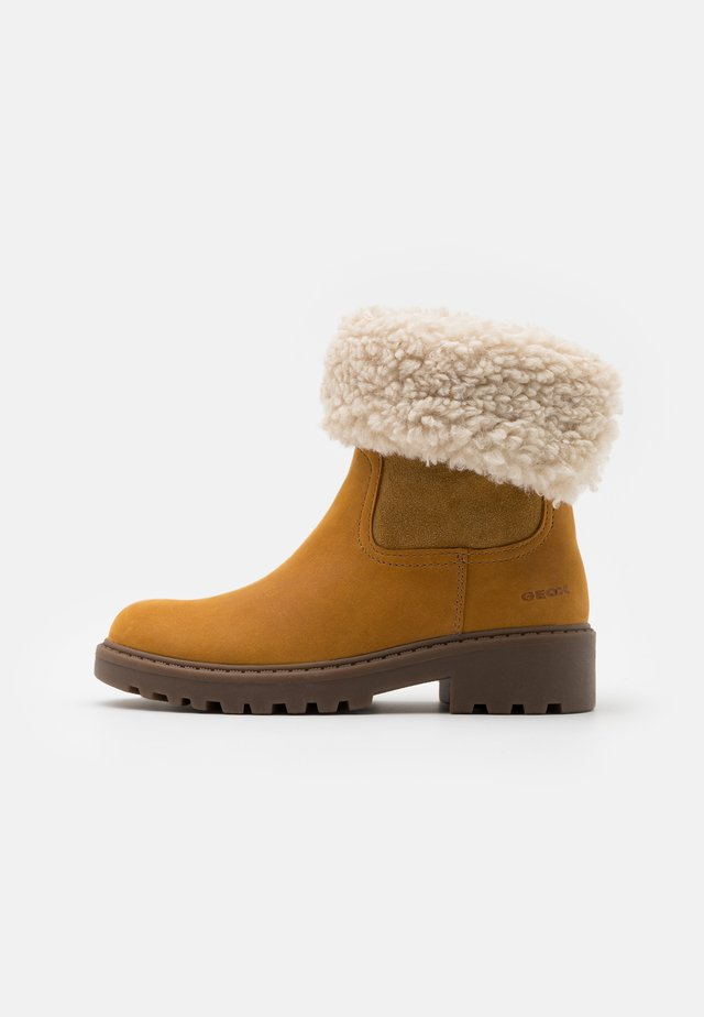 CASEY GIRL WPF - Classic ankle boots - curry