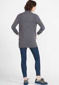 PETER HAHN - Cardigan - medium grey - 2