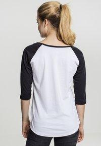 Merchcode - LADIES BANKSY - Long sleeved top - white/black - 2