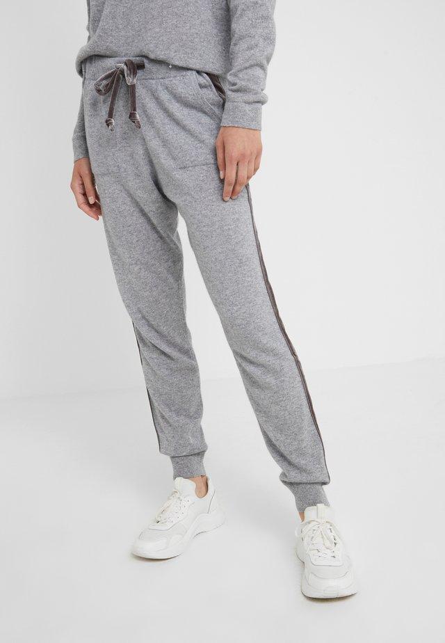 TROUSERS - Pantaloni sportivi - opal grey