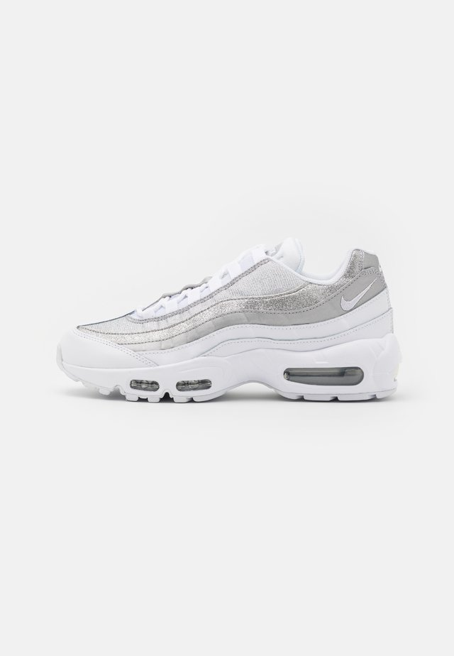 AIR MAX 95 - Sneakersy niskie - white/metallic silver