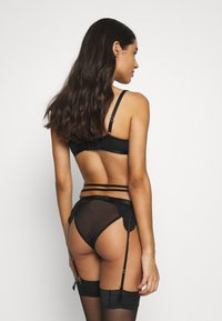 Wolf & Whistle - LISETTE SUSPENDER BELT - Jarretels - black