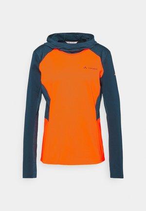 WOMENS QIMSA  - Langarmshirt - neon orange