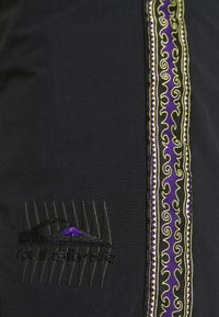 Quiksilver - NATIVE WALKSHORT - Shorts - black - 5