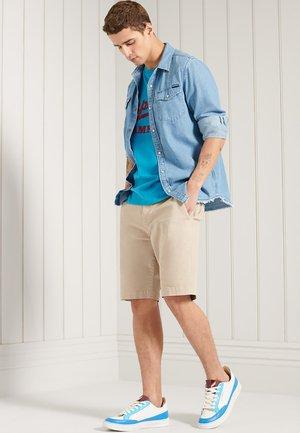 COLLEGIATE GRAPHIC STANDARD WEIGHT  - T-shirt print - azure teal