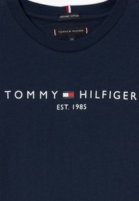 Tommy Hilfiger - ESSENTIAL TEE  - Camiseta estampada - blue - 3