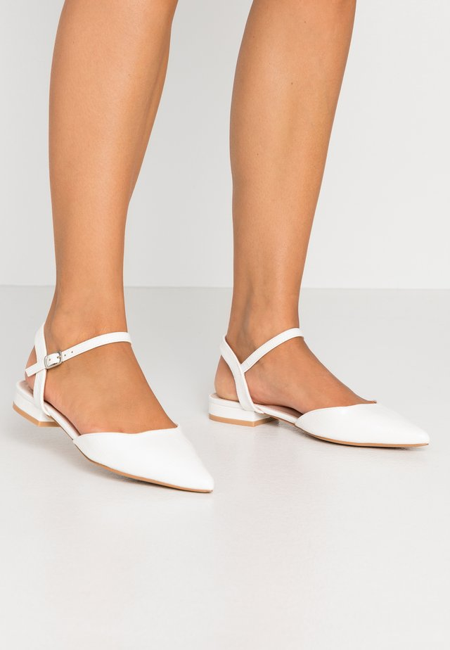 WIDE FIT BONITA - Sandales - white