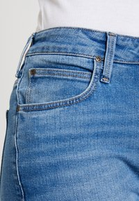 Lee - BREESE - Flared Jeans - jaded - 3