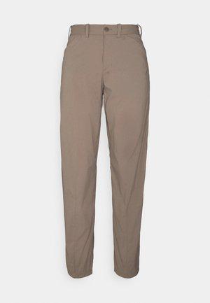 WADI PANTS - Kalhoty - beige