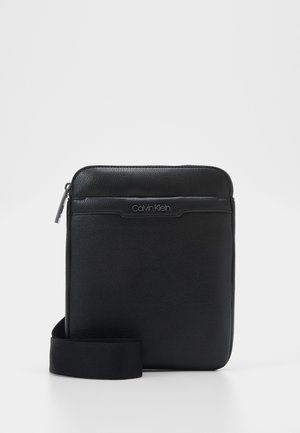 FLAT PACK - Across body bag - black