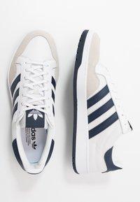 adidas Originals - TEAM COURT - Baskets basses - footwear white/collegiate navy - 1