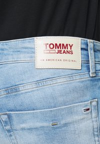 Tommy Jeans - SCANTON  - Jeansshort - court light blue - 4