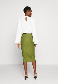 Missguided Tall - ZIP MIDI SKIRT - Blyantnederdel / pencil skirts - khaki - 2