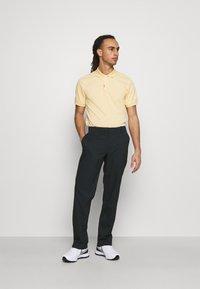 Nike Golf - PANT ESSENTIAL - Kalhoty - black - 1