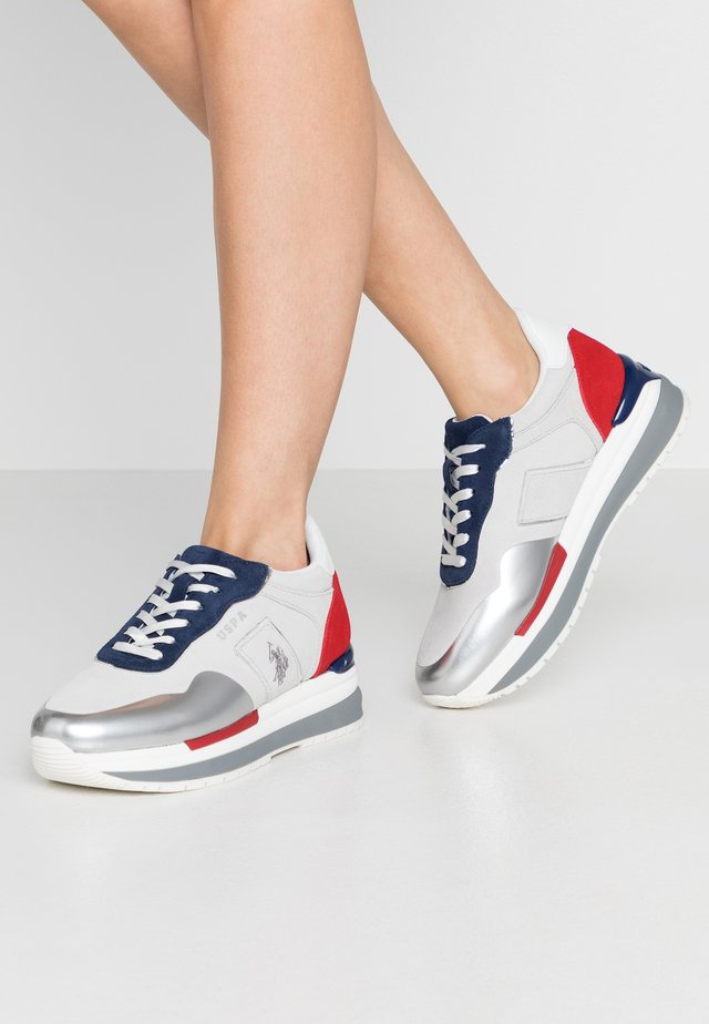 AMY - Sneakers laag - white/blue
