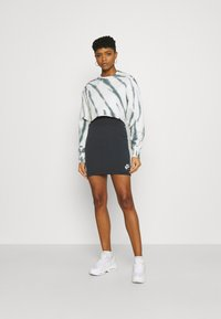 Nike Sportswear - AIR SKIRT - Falda de tubo - black/white - 1