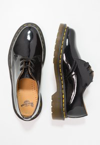 Dr. Martens - 1461 3 EYE SHOE PATENT LAMPER - Lace-ups - black - 2