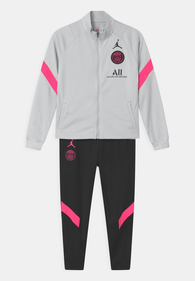 PARIS ST GERMAIN SET UNISEX - Fanartikel - pure platinum/black/hyper pink
