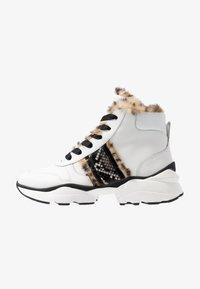 Maripé - Ankle boots - bianco/nero - 1
