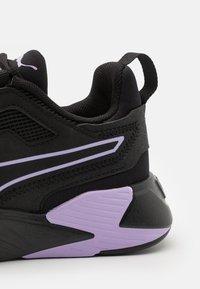 Puma - DISPERSE XT - Zapatillas de entrenamiento - black/light lavender - 5