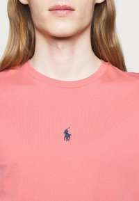 Polo Ralph Lauren - CUSTOM SLIM FIT JERSEY T-SHIRT - T-paita - desert rose - 4