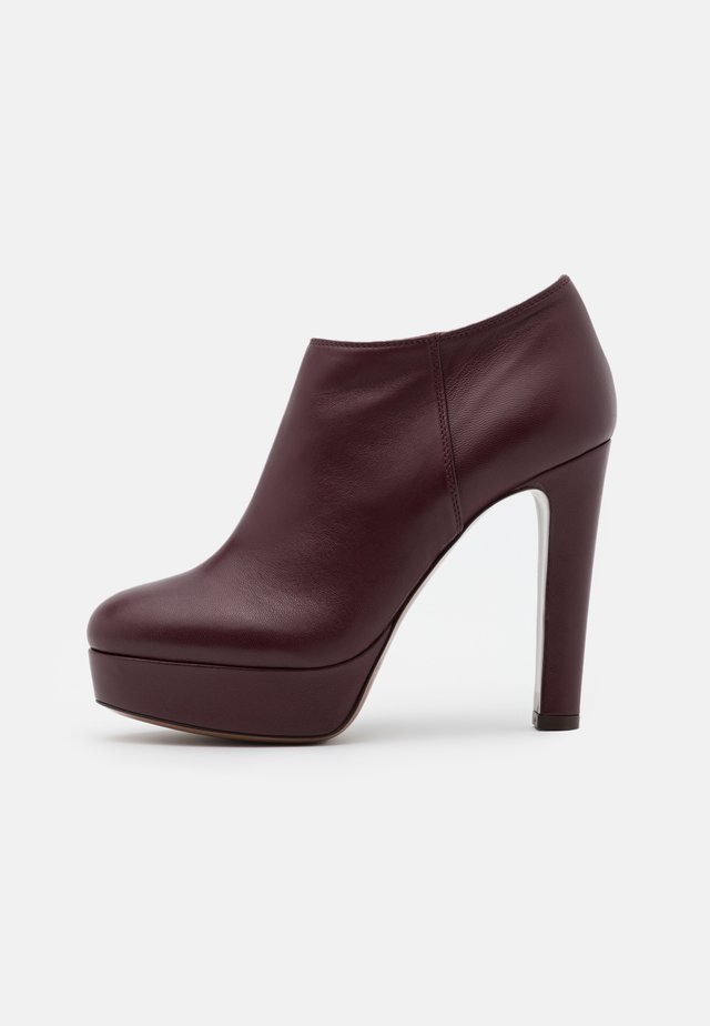 Bottines à talons hauts - burgundy