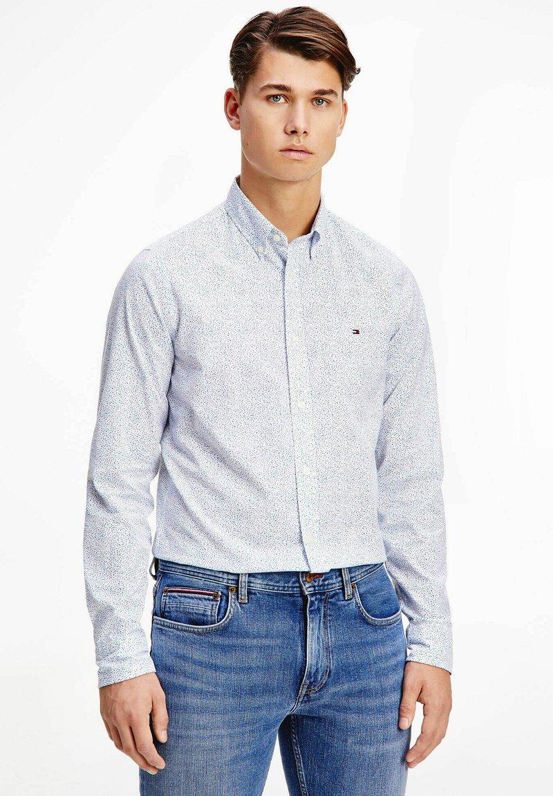 Tommy Hilfiger - SLIM FIT  - Shirt - weiss
