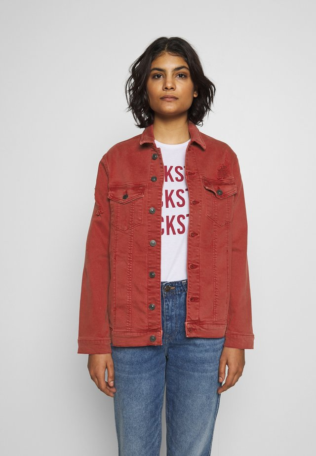 ALBERTA - Denim jacket - carmine red wash