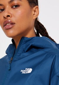 The North Face - CROPPED QUEST JACKET  - Hardshell jacket - monterey blue - 4