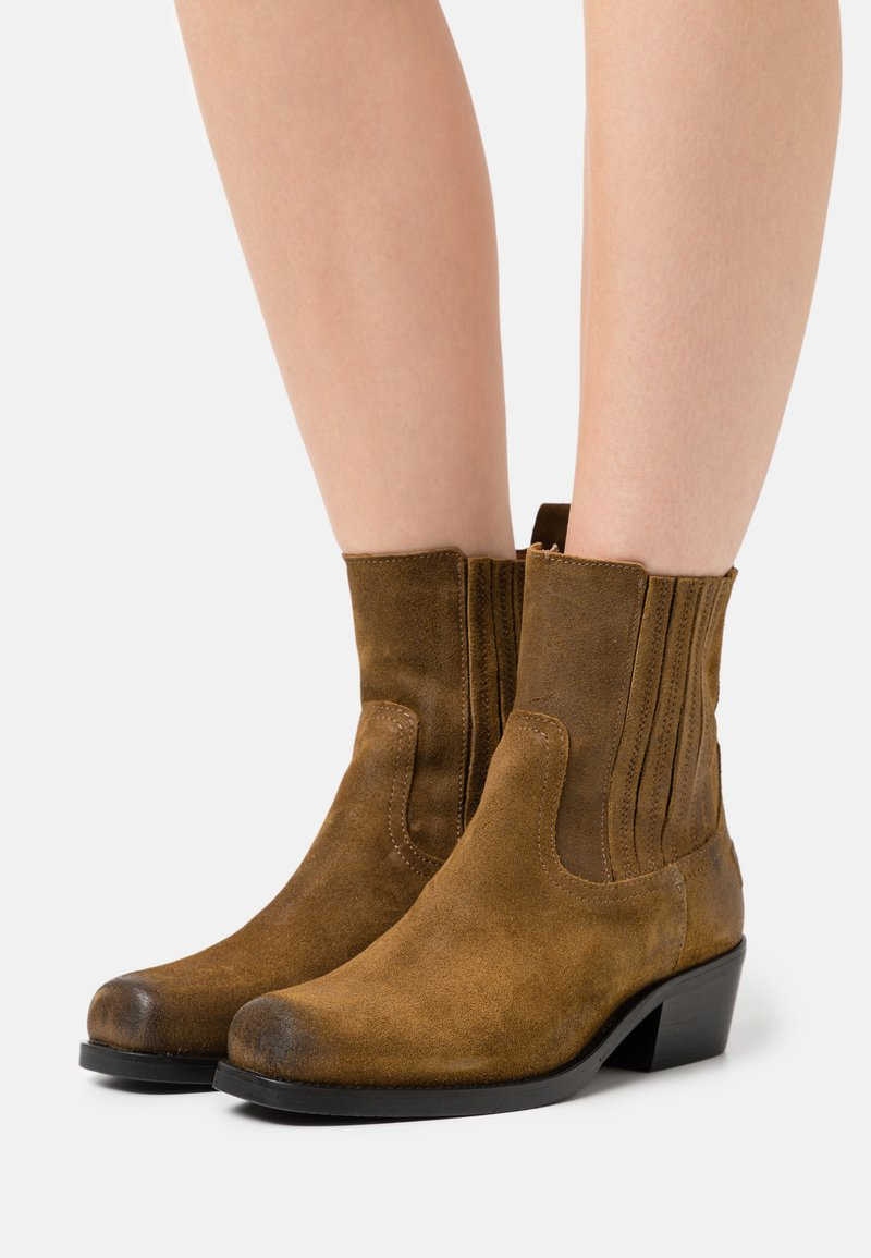 Shabbies Amsterdam - Cowboy/biker ankle boot - brown