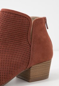 Call it Spring - LUNNA - Ankle boot - rust - 2
