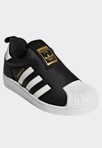adidas Originals - SUPERSTAR 360 SHOES - Sneakersy niskie - black - 2